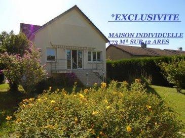 * ARGANCY, SUPERBE MAISON INDIVIDUELLE DE 173M² SUR 12 ARES *. EN EXCLUSIVITE, NOTRE COUP DE COEUR POUR CETTE MAISON INDIVIDUELLE AUX BEAUX VOLUMES. Visite virtuelle sur notre site : www.agence-stlouis.fr  Située sur Argancy, magnifique village bénéficiant de toutes les infrastructures et d'une situation exceptionnelle !! Proche A4/A31, écoles, périscolaires, médecins, centre équestre, amateurs de pêche, balade en forêt, que se trouve cette belle maison individuelle des années 1970 construite sur 12 ares de terrain et bénéficiant d'une grande dépendance ! Au premier niveau, vous serez charmés dès votre arrivée par sa pièce à vivre traversante de 56 m²  environ comprenant une cuisine américaine entièrement équipée  donnant accès direct sur sa terrasse et son terrain . Ses deux grandes chambres de 15 m² environ, sa salle de bain  avec baignoire, douche et meuble sous vasque. Son wc indépendant. A l'étage ses deux chambres dont sa suite parentale avec dressing, son bureau, sa salle d' eau et wc. Pour compléter ce bien, en sous sol : une buanderie, une cave, une réserve et un garage motorisé. Cette maison s' alimente au gaz  ( chauffage au sol ), bénéficie de panneaux solaires et de la motorisation des volets.Excellent DPE ( C ). ************************************************************** Les visites auront lieu uniquement après un premier entretien téléphonique au 06 33 83 40 82 ( Sandrine Di Francesco, titulaire de la carte professionnelle de la chambre des commerces Siret : 78900935400018 ) . Il est souvent difficile de s'y retrouver parmi toutes les offres disponibles, notre agence fait la différence avec un suivi complet de votre dossier et la rédaction du compromis de vente par nos soins, nous disposons de sérieuses aptitudes, et nous nous engageons à vous fournir le meilleur depuis plus de 20 ans sur votre secteur.