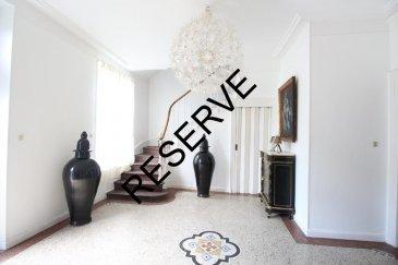 RE/MAX, votre spécialiste immobilier, vous propose à la vente, cette maison de maître mitoyenne située en plein cœur de Villerupt. D'une superficie habitable d'environ 250m², elle se compose comme suit:  -Au rez de chaussée: -Un spacieux Hall d'entrée de 21m² -Une cuisine équipée et fonctionnelle de 19m² -Un lumineux salon de 25m² donnant sur une salle à manger de 18m² -Un espace buanderie de 11m² avec un wc séparé, vous donnera accès au jardin d'une superficie de 180m².  Au 1er étage: -Une pièce de 11m² pouvant servir de chambre ou de bureau -Une deuxième pièce de 19m² servant actuellement de bureau -Une chambre parentale de 25m² donnant accès à la salle de bain de 10m² -Un dressing de 5.5m²  Au 2éme étage: -Vous trouverez 3 chambres, une de 13m², une de 14m², et une troisiéme de 29m² -Une salle de douche de 12.5m² -Un dressing de 7.6m²  Une cave de 77m², un jardin de 180m² donnant accés a un garage pour une voiture, sont les points forts de ce bien.    Une visite s'impose!!!  Personne de contact:    Fay Julien    +352 661 998 351      julien.fay@remax.lu Ref agence :5096134