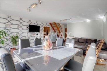 Veuillez contacter Felice Capraro pour de plus amples informations : - T : +352 621 251 398 - E : felice.capraro@remax.lu  RE/MAX, Spécialiste de l'immobilier à Rodange, vous propose ce duplex 3 chambres de 120 m² se compose comme suit :   Hall d'entrée avec dressing, séjour spacieux de 33 m² avec un accès à la terrasse de 20 m² orientée sud, d'une chambre avec parquet, d'une cuisine séparée équipée.   1er étage : hall de nuit, 2 chambres dont une spacieuse, salle de douche.   Local vélo, buanderie commune, cave privative.  Frais d'agence RE/MAX : 3 % du prix de vente + TVA à charge de la partie venderesse