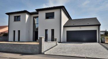 BELARDIMMO vous propose à la vente en mandat exclusif une maison libre de quatre côtés à Audun-le-Roman.<br><br>Très rare maison, pratiquement neuve (2018), située dans un endroit calme (impasse).<br>Celle-ci vous est proposée avec ses matériaux haut de gamme. Cet habitat contemporain vous plonge dans un décor très tendance.<br><br>La maison se situe sur un terrain de +/- 13 ares.<br><br>La maison se compose ainsi:    <br><br>Rez-de-chaussée :<br><br>- Hall d\'entrée<br>- Cuisine ouverte sur salle à manger et salon (63,47m²)<br>- WC séparé<br>- Buanderie/cave<br>- Garage 2 voitures  <br>- Terrasse <br><br>1er étage :<br><br>- Dégagement<br>- Chambre parentale avec dressing et salle de bain privative<br>- Chambre 2 (16,23 m²)<br>- Chambre 3 (15,99m²)<br>- Salle de bain avec douche , baignoire et WC.<br><br>Pour toutes informations complémentaires veuillez vous adresser à Mons. PACI au +352 661572502.<br><br><br><br><br> <br>