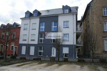 IMMO EXCELLENCE vous propose ce joli appartement d'une superficie de 65 m2 dans une résidence neuve. L'appartement se situe au 2ème étage et se compose comme suit : Un hall d'entrée, une moderne cuisine équipée, un double séjour avec accès sur un balcon, une salle-de-douche avec WC, une chambre-à-coucher, un WC séparé,  ainsi qu'une cave.  Situation idéale à proximité de toutes commodités au centre-ville d'Echternach. Ref agence :3426746