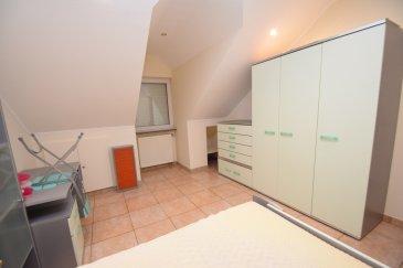 RE/MAX SELECT spécialiste de l'immobilier à Luxembourg vous propose: à la location 2 chambres en colocation dans une grande maison cossue idéalement située et proche de toutes connexions. Vous disposez pour cette location en commun d'une grande cuisine équipée, et espace salon salle à manger, d'une terrasse donnant sur le jardin, salle de bain avec douche et baignoire et d'un espace buanderie disponible de suite