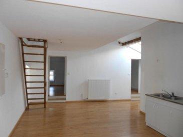 Ars sur Moselle, appartement 4 pièces de 79.75m² en bon état, composé d\'un séjour avec cuisine ouverte, de deux chambres, d\'une salle de bains avec wc.<br>Chauffage individuel, faibles charges : 240\' par ans, copropriété de 4 lots.<br>Honoraires à la charge du vendeur.<br>Abac Immobilier 03 87 18 37 80.
