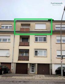 Homeseek Limpertsberg (contact +352 691 262 005 ou +352 621 366 194) vous propose ce bel appartement rénové, traversant, de +/- 82m2, 3 chambres avec balcon et petit jardin.<br>Situé au 3ème et dernier étage d\'une petite copropriété de 3 appartements, sans ascenseur, A 5 MIN A PIEDS DE LA GARE DE BETTEMBOURG !<br><br>Il se compose comme suit :<br>-Hall spacieux,<br>-Placard, pièce de rangement,<br>-Grand living avec cuisine ouverte équipée (four, hotte, plaque de cuisson, lave-vaisselle, frigo neuf),<br>-3 belles chambres (11,85m2, 11, 47m2 et 15,06m2) dont une avec accès au balcon,<br>-Salle de bain neuve avec porte-serviette chauffant, lavabo double vasque et douche à l\'italienne en pluie tropicale,<br>-WC séparé neuf,<br>-Une cave et un espace jardin.<br><br>Aspects techniques : fenêtres doubles vitrage, volets manuels.<br><br>Disponibilité : 1er juillet 2021<br>Loyer mensuel : 1585EUR<br>Charges mensuelles : 150EUR (eau, chauffage, charges communes, taxe communale et enlèvements des déchets)<br>Bail : 1 an, renouvelable<br>Caution : 2 mois de loyer<br>Frais d\'agence : 1 mois de loyer + TVA 17%<br><br>Pour plus de renseignements ou effectuer une visite, appeler Patricia Bertino au +352 691 262 005 ou au +352 621 366 194.<br>Référence agence : 4922292-HL-PB<br><br /><br />Homeseek Limpertsberg (contact+352 691 262 005 or +352 621 366 194) offers you to rent this very nice renovated apartment, double exposure, of +/- 82sqm, 3 bedrooms with a balcony, no lift, ONLY 5 MIN. WALK FROM BETTEMBOURG TRAIN STATION! <br><br>It is laid out as follows:<br>-Spacious hall,<br>-Storage room,<br>-Large living room with open equipped kitchen (oven, filter, cooker, diswasher and new fridge),<br>-3 nice bedrooms (11,85sqm, 11, 47sqm et 15,06sqm), one with access to a balcony,<br>-Newly renovated bathroom (Italian style shower (tropical rain), double hand basin),<br>-Newly renovated toilet,<br>-Cellar and garden.<br><br>Technical aspects : double glazed windows, manual blinds.<br>