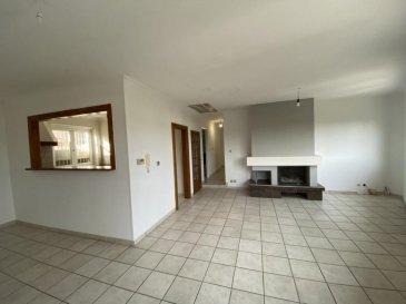 M572964B  A VENDRE A LA MAXE  APPARTEMENT F7  DE plus  162 M² ET 24M² d'annexes en RDC ,   dans le centre du village  A SAISIR dans maison de 2 appartements , CET APPARTEMENT F6/F7 avec 162M² habitable loi Carrez  qui dispose de son entrée indépendante ,  en RDC  une  cave, une  chaufferie une  buanderie et une pièce rangement le tout pour  24 m²  et A L'étage un vaste séjour lumineux avec  cheminée de 39M² , une cuisine séparée et équipée , un wc , une grande salle de bains , 4 CHAMBRES avec parquet , une pièce équipée d'un  grand dressing lingerie et un accès aux combles aménagés possible espace nuit ou salle de jeux de 24M² CARREZ 45 m² au sol Fenêtre double vitrage PVC , chauffage individuelle au gaz , superbe volume , prêt à vivre Profitez de l'environnement calme et d'une vue dégagée sur la campagne Proche de l'A31 , au coeur du village , voisin de MAIZIERES LES METZ , WOIPPY , TALANGE , METZ DLP ,et METZ CENTRE A 15 MINUTES Pour plus d'informations Philippe DELAPORTE, Conseiller spécialiste du secteur, est à votre entière disposition au 06 86 27 69 62 . Honoraires à la charge du vendeur.