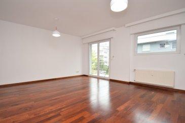 Pour tout renseignement, contacter Céline Junker: - 00352 661 801 112 - celine.junker@remax.lu  RE/MAX Select et Céline Junker vous proposent un bel appartement rénové situé au 1er étage (avec ascenseur) d'une charmante résidence située au 32 rue Géneral Patton à Howald .  L'appartement se compose d'un hall d'entrée, d'une très belle pièce à vivre de 28 m² avec accès au balcon exposé plein sud, d'une cuisine équipée séparée, d'une chambre de 12 m², d'une salle de bain avec douche italienne. Une buanderie commune, un emplacement de parking intérieur et une cave complètent ce bien. visite virtuelle : https://premium.giraffe360.com/remax-select/howaldceline/  frais d'agence : 1350 euros + TVA 17% à charge du locataire
