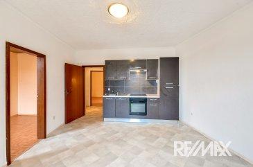 RE/MAX Select, spécialiste de l' immobilier au Luxembourg vous propose cet appartement très fonctionnel au centre-ville de Dudelange. Il est situé proche de toutes les commodités ; supermarchés, école, bus, trains....  Situé au 2e étage dans une résidence calme et bien entretenue, cet appartement se compose comme suit :  - une pièce d' entrée avec une pièce noire pouvant être aménagée en vestiaire ou en buanderie. - 2 chambres - une grande pièce à vivre avec cuisine ouverte - cave privative  !!!!!! POSSIBILITÉ DE LE LOUER 1 000 EUROS PAR MOIS HORS CHARGES!!!!!!