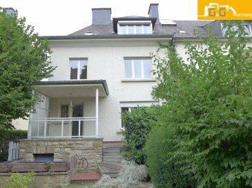 ---LOUE---  Magnifique maison libre de 3 côtés, construite en 1953 de 210 m2 en cours de rénovation dans une rue calme à Limpertsberg.   Ce bien se compose de :  Au rez-de-chaussée :  - 1 spacieux hall d'entrée avec 1 WC séparé - 1 double living de 40 m2 - 1 grande cuisine équipée avec accès à la terrasse et le jardin plein sud  Au 1er étage :  - 3 grandes chambres à coucher (11 m2 ; 16 m2 et 17 m2)  - 1 salle de bains avec baignoire et WC - 1 dressing  Au 2ème étage :  - 2 belles chambres à coucher (13 m2 et 17,40 m2) - 1 salle de douche avec WC - 1 débarras – grenier  La maison dispose aussi d'une cave, buanderie et un grand double garage pour 2 voitures.  Libre 15/11/2016.  N'attendez plus, contactez-nous par mail sur info@gng.lu ou au 621 366 377. Découvrez toutes nos offres sur www.gng.lu