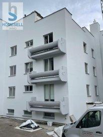 SOUS COMPROMIS !!<br><br>Nous vous proposons en exclusivité ce bel appartement de 98m2 utiles avec balcons (84 m2 habitables) de 2 chambres, situé dans la commune de Niederanven. <br><br>Ce bien vous séduira par sa situation tranquille dans un quartier privilégié de Rameldange avec vue imprenable. <br>Il est composé d\'un hall avec placard encastré, d\'une pièce de vie généreuse et lumineuse donnant accès au balcon exposé sud et d\'une cuisine équipée avec débarras. Un WC séparé complète l\'espace de vie. La partie nuit est divisée en 2 chambres dont une avec accès sur un deuxième balcon et salle de douche.<br><br>Un emplacement de parking intérieur et une cave complètent ce bien.<br><br>L\'appartement est en ce moment sous un contrat de bail (intéressant au cas où pour Investisseur).<br>Résiliation du bail possible.<br>Si vous désirez de plus amples renseignements contactez-nous.<br><br>Tél.: 28 11 22 -1 info@homesell.lu <br><br>HOMESELL Immo votre guide de l\'immobilier.<br><br><br>