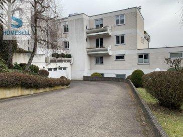 Nous vous proposons en exclusivité ce bel appartement de 98m2 utiles avec balcons (82 m2 habitables) de 2 chambres, situé dans la commune de Niederanven. <br><br>Ce bien vous séduira par sa situation tranquille dans un quartier privilégié de Rameldange avec vue imprenable. <br>Il est composé d\'un hall avec placard encastré, d\'une pièce de vie généreuse et lumineuse donnant accès au balcon exposé sud et d\'une cuisine équipée avec débarras. Un WC séparé complète l\'espace de vie. La partie nuit est divisée en 2 chambres dont une avec accès sur un deuxième balcon et salle de douche.<br><br>Un emplacement de parking intérieur et une cave complètent ce bien.<br><br>L\'appartement est en ce moment sous un contrat de bail (intéressant au cas où pour Investisseur).<br><br>Si vous désirez de plus amples renseignements contactez-nous.<br><br>Tél.: 28 11 22 -1 info@homesell.lu <br><br>HOMESELL Immo votre guide de l\'immobilier.<br><br><br>