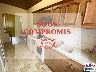 Appartement - 1 pièce(s) - 27m². SPÉCIAL INVESTISSEUR  ! <br/><br/>Devenez  propriétaire d\'un appartement meublé et équipé au centre d\'Algrange, à proximité de toutes commodités. <br/>Au rez-de-chaussée d\'une copropriété sécurisée et très bien entretenue,  cet appartement traversant est constitué d\'un espace entrée/cuisine de 10m², d\'une salle d\'eau avec wc et d\'une pièce de 13,8 m². <br/><br/>L\'appartement est vendu libre, précédemment loué 350€/mois (fort potentiel de locataires)<br/><br/>Syndic bénévole au sein de la copropriété, très faibles charges annuelles (environ 30€ /an)<br/>Taxe foncière : 250€ <br/><br/>Chauffage électrique, Double vitrage, Interphone pour ouverture porte des communs..<br/><br/>Cuisine équipée d\'une gazinière avec four, un frigo, un micro-onde + mobilier et vaisselle.<br/>La pièce principale est meublée d\'un lit double, et d\'un bureau.<br/><br/>Ce bien vous est proposé en exclusivité au prix de : 37 000 € <br/>Les honoraires sont inclus à charge vendeur.<br/><br/>A visiter sans tarder !<br/><br/>ACTIVE IMMO<br/>03.82.84.17.98<br/>