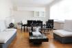 Sigelux Real Estate vous propose à la location un grand appartement dans le quartier très prisé de Belair, au 2ème étage d'une petite résidence de 4 unités, situé 25 rue d'Oradour L-2266 Luxembourg  Surface habitable de 140m2  - hall de 15m2, - grand living de +/- 35m2 en parquet massif. - cuisine équipée et séparée dispose aussi d'un balcon ensoleillé - 1 espace pour la buanderie avec de nombreux rangements - 4 chambres de 24m2, 17m2, 11m2 et 12 m2 - les sols sont en parquet et carrelage - 1 salle de bain avec baignoire, douche, toilette et 2 lavabo - 1 salle de douche avec une toilette sont également situées près du hall d'entrée. - chauffage au gaz - fenêtres en double vitrage - 1 garage fermé - 1 cave.  Très bien desservi par les transports, sa situation proche du centre-ville, des commerces, écoles, parcs, club de sport… font de Belair l'un des quartiers les plus prisé de Luxembourg ville. Enfin la résidence dispose d'un ascenseur et la façade a été rénovée récemment.  Le quartier de Belair, sans faire partie intégrante du centre-ville, se situe très proche du cœur de Luxembourg il est donc très recherché. Il présente tous les avantages de la ville sans les inconvénients. Un atout remarquable est l'excellente connexion au réseau routier et l'accessibilité via les transports en communs. Proche des accès autoroutes et des routes principales, le quartier de Belair est aussi doté de plusieurs lignes de bus. On y trouve écoles, commerces et de toutes les commodités.  DISPONIBILITE IMMEDIATE  Loyer :4.500.- € toutes charges comprises  Pour plus de renseignement ou un Rendez-Vous pour visiter contactez : SIGELUX : 46 71 31 ou info@sigelux.lu