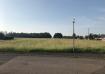 Terrain plat dans une rue très calme de STUCKANGE.  Surface de 394m2, entièrement viabilisé.  Idéalement situé, accès rapide à l'autoroute A31, à 10mn de Thionville, emplacement parfait pour les travailleurs frontaliers (LUXEMBOURG).  Pour construction d'une maison BIG HABITAT de 86m2. (131000€) Possibilité d'autres maisons.