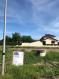 Terrain plat dans une rue très calme de GUÉNANGE, partie village.  Surface de 312m2, entièrement viabilisé.  Idéalement situé, accès rapide à l'autoroute A31, à 10mn de Thionville, emplacement parfait pour les travailleurs frontaliers (LUXEMBOURG). Ecoles et commerces à proximité directe.  Pour construction d'une maison BIG HABITAT de plain pied 89m2. (135000€)
